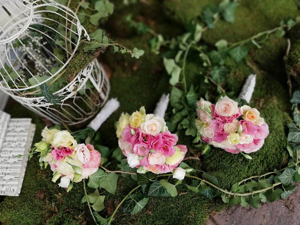 Wedding decor - bridesmaid bouquets