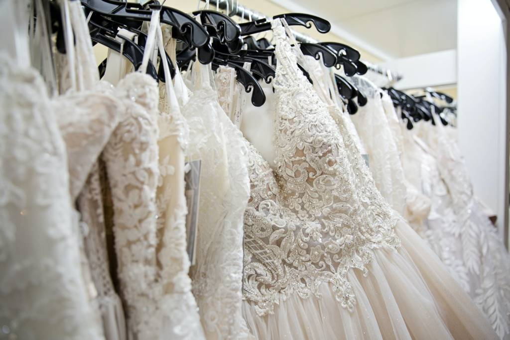 Planning your budget on wedding dresses